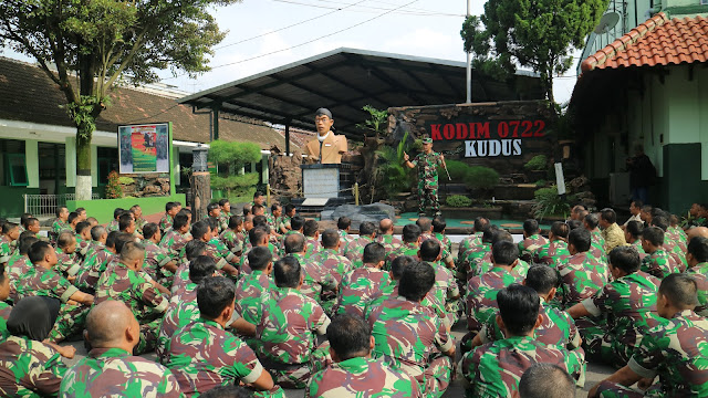 MENJAGA NETRALITAS TNI