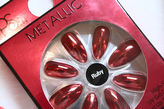 Easy DIY Christmas Nails - Primark Nail Packs - Ruby Metallic