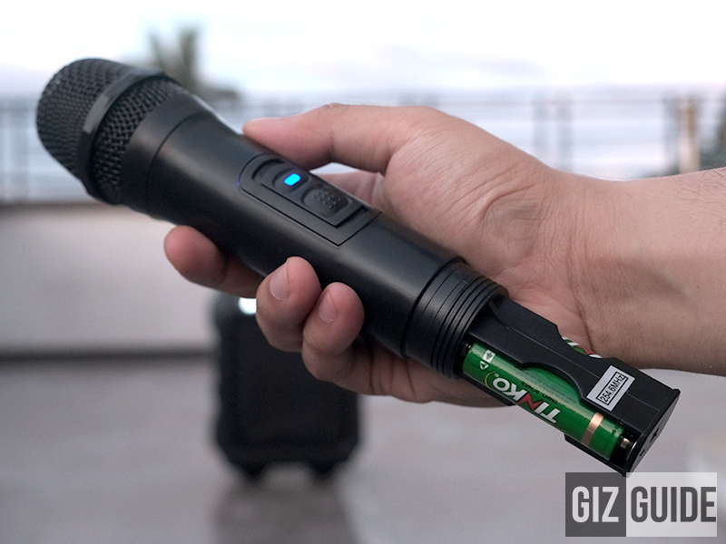Microphone with battery inside!