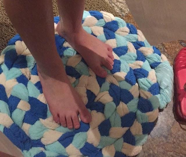 Como fazer um tapete para o banheiro (em formato de caracol)
