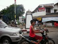 Tugu di Jalan KH Agus Salim Bekasi