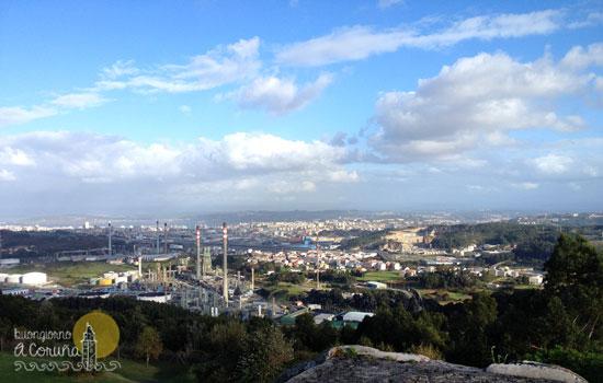 Vista di A Coruña dal parco di Monticaño