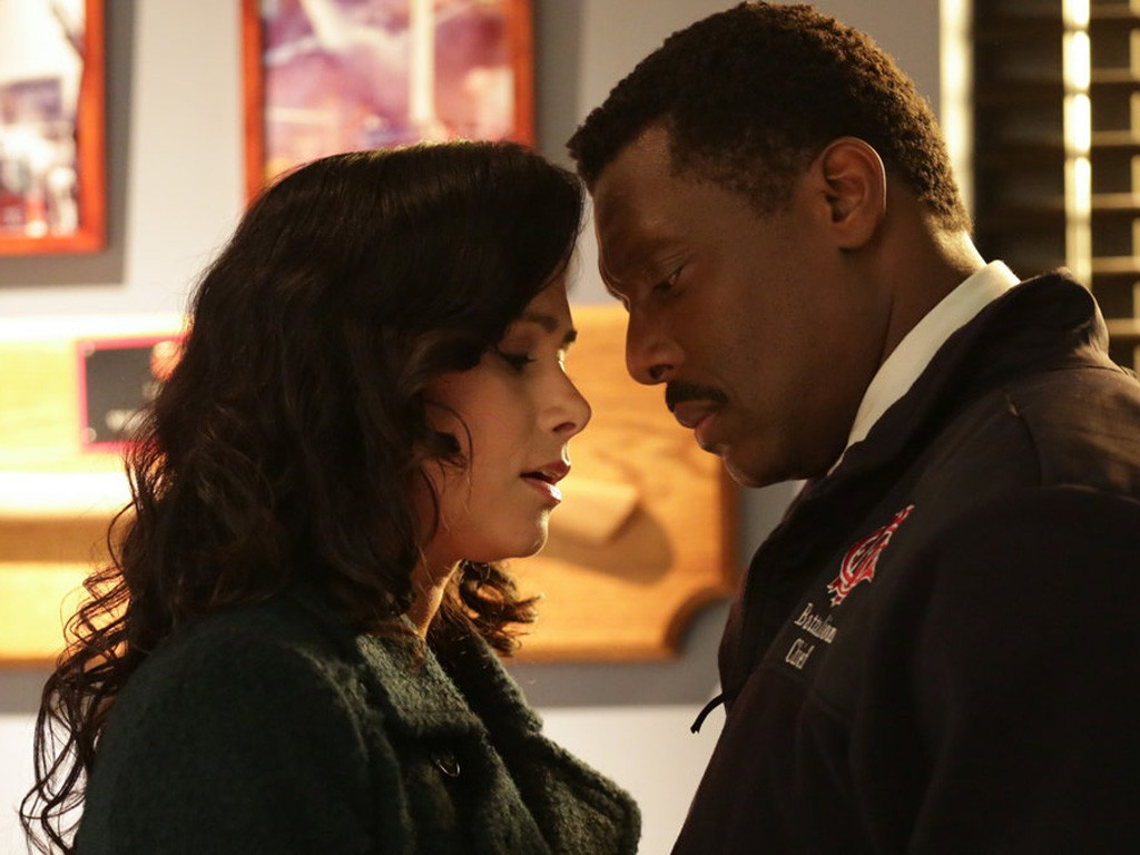 Chicago Fire - Season 2 Episode 19: A Heavy Weight