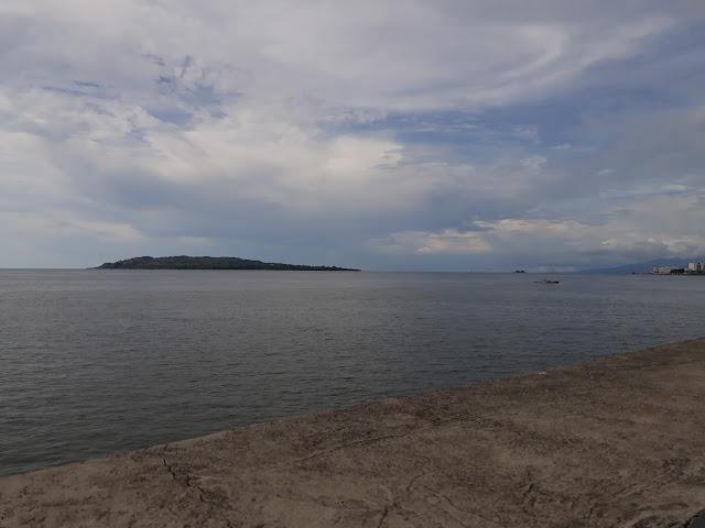 Foto Jalur 2 Arteri Sulawesi Barat, di Bibir Pantai