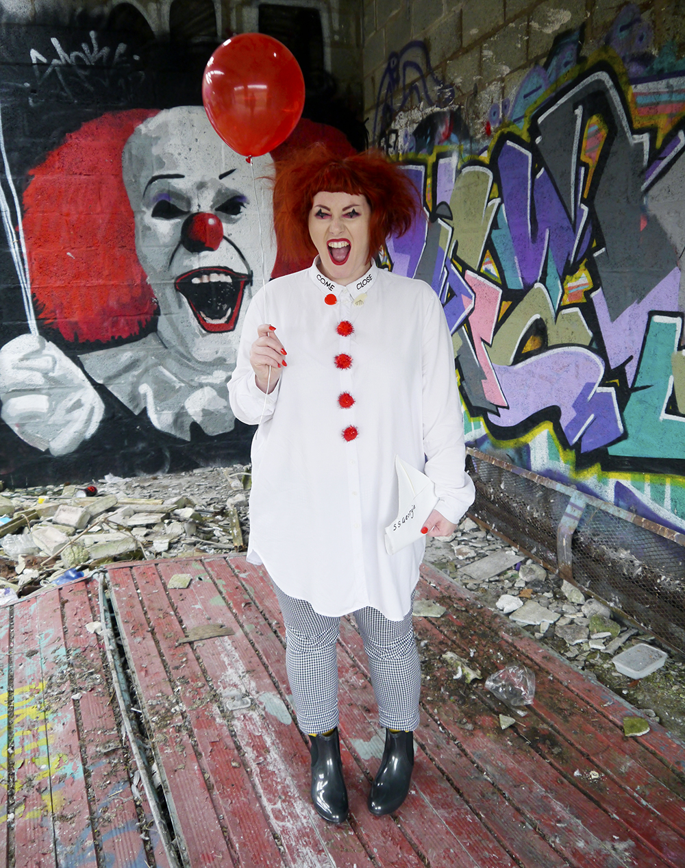 Creepy clown outfit inspired by Pennywise the dancing clown from IT