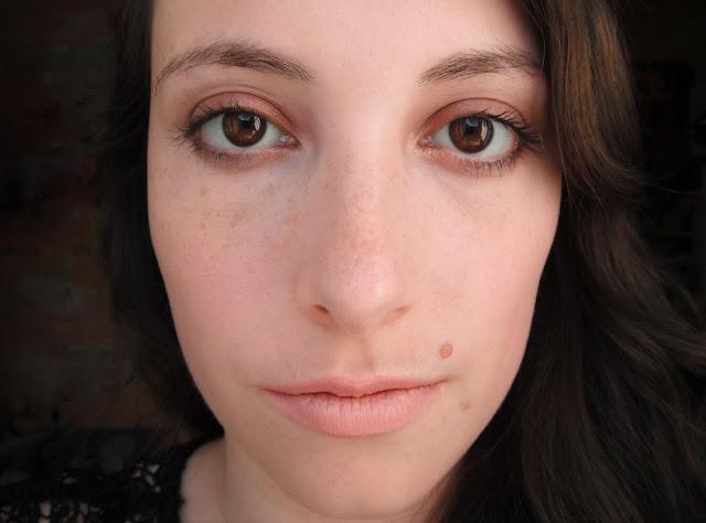 Tutoriel maquillage automnal dans les tons cuivrés