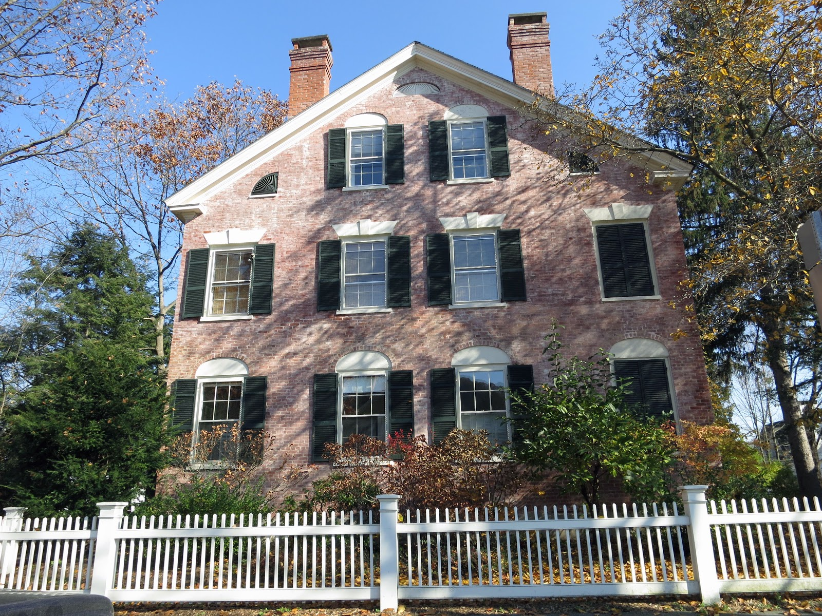 A Proper Bostonian: Houses in Woodstock, Vermont