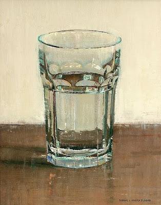 Выпивайте по глотку воды после телефонного разговора