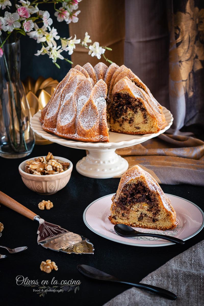 Bundt Cake de nueces, canela y cacao