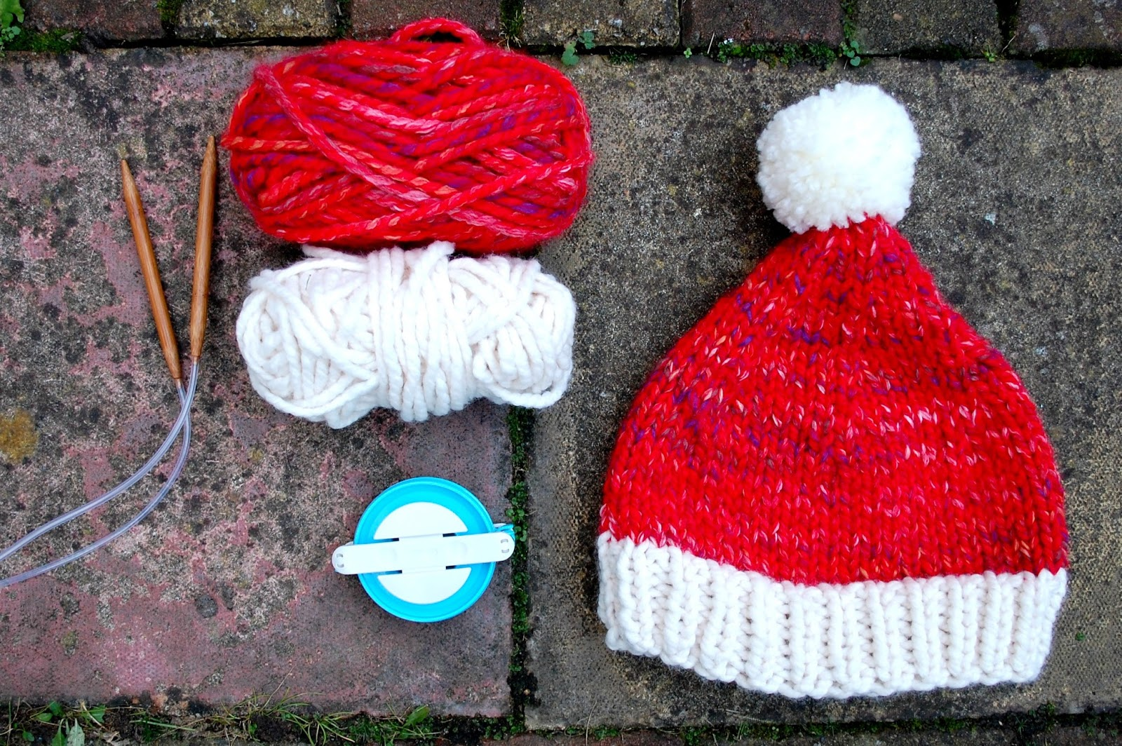 5 Ply Knitting Patterns : the geeky knitter: super chunky santa hat - free knitting pattern