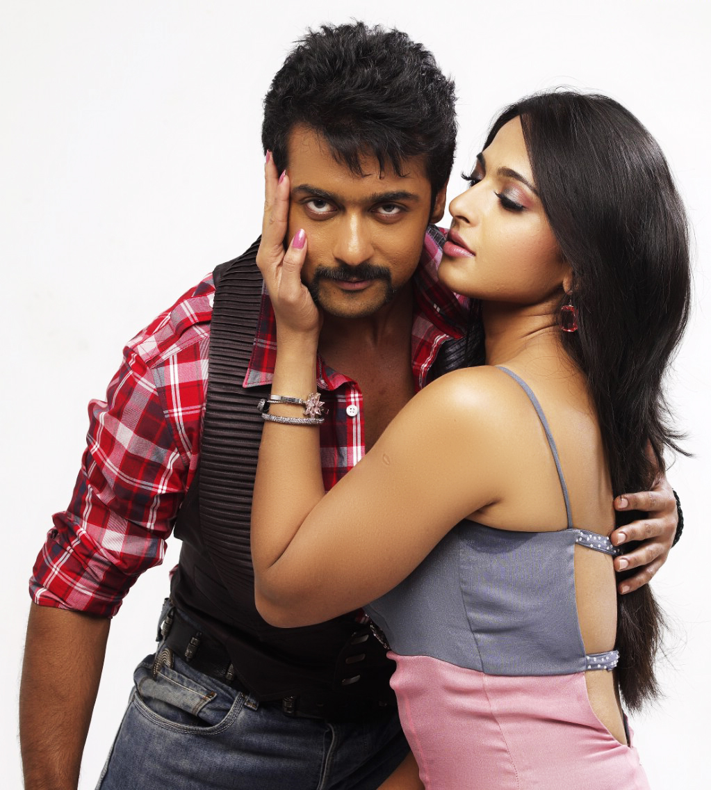 Tamil Cinema Foto: Anushka Hot Photoshoot With Surya For
