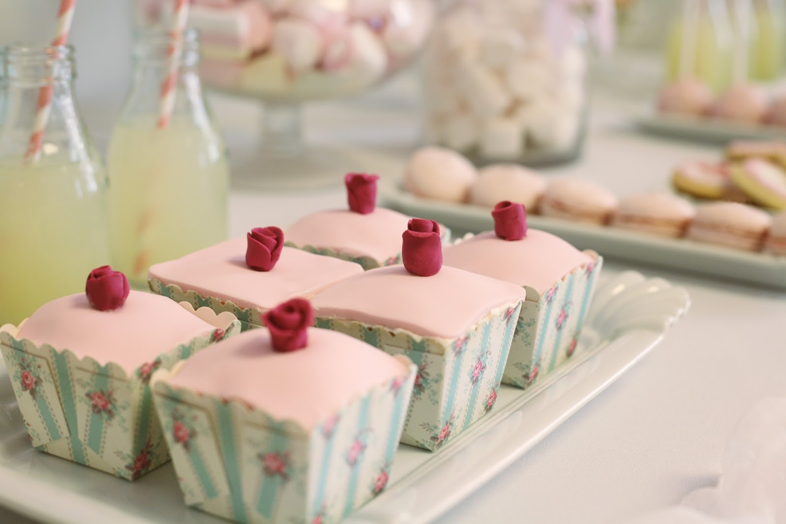 Como hacer una candy bar mar a mirabelli party design - Como disenar un bar en casa ...