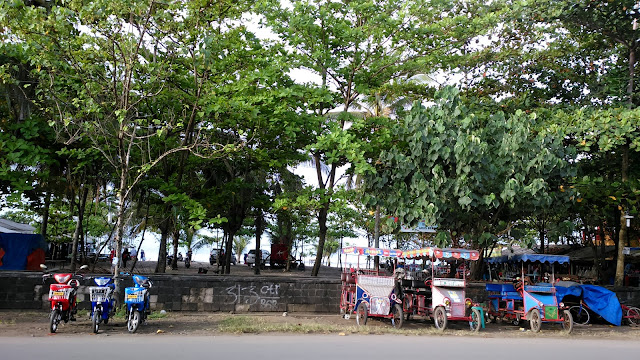 Gowes-Gowes Sepeda di Pantai Pangandaran