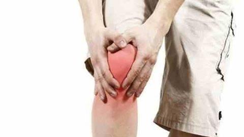 علاج آلام الركبة بالاعشاب الطبية .