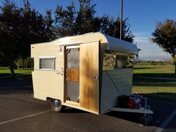 used rvs 1960 honor bilt vintage travel trailer for sale by owner. Black Bedroom Furniture Sets. Home Design Ideas