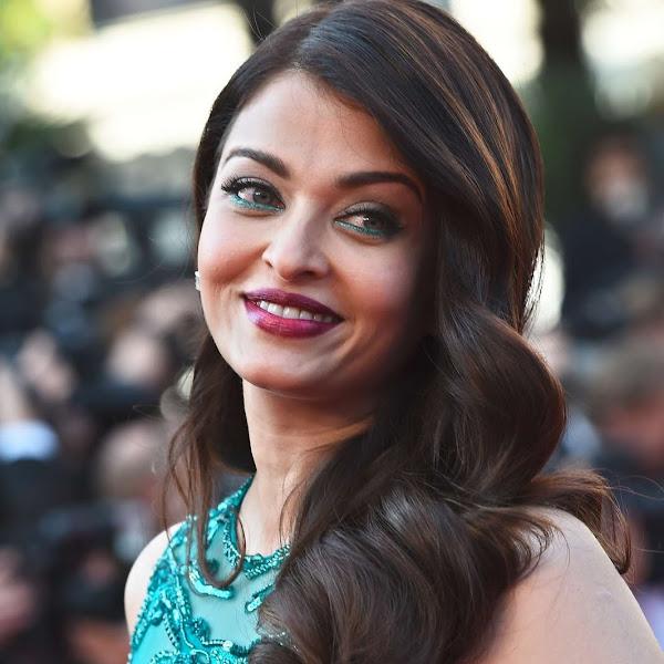 Aishwarya Rai latest hot photos from Cannes 2015