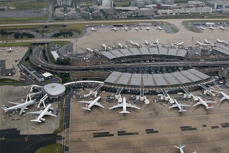 Worlds 10 Busiest airports | Paris Charles de Gaulle Airport, Paris, France – 62 million passengers each year