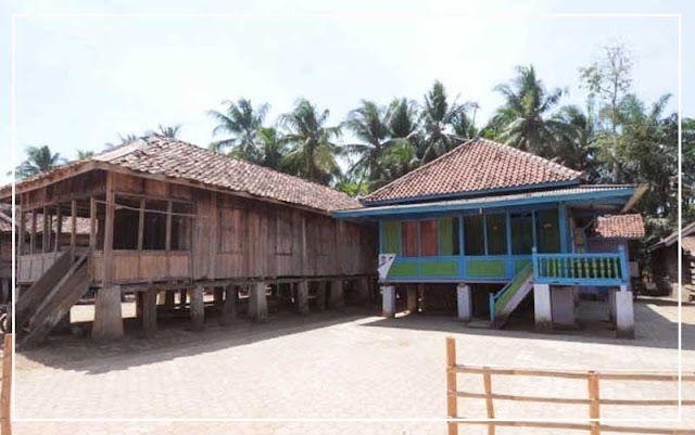 Gambar Rumah panggung adat Lampung