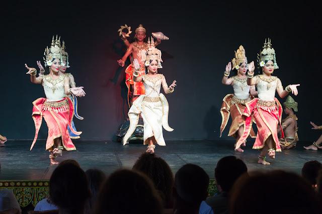 things to do cambodia apsara dance phnom penh