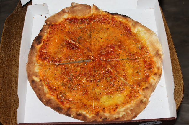 vegan tagein tagaus vegane pizza vom lieferservice 39 39 l 39 italiano originale 39 39 aus esslingen. Black Bedroom Furniture Sets. Home Design Ideas