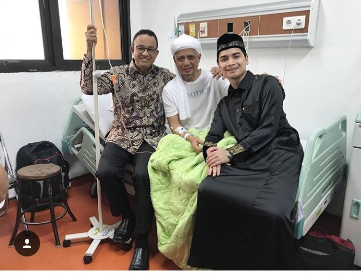 KH M Arifin Dirawat di RSCM, Postingan Dua Anaknya Bikin Bangga