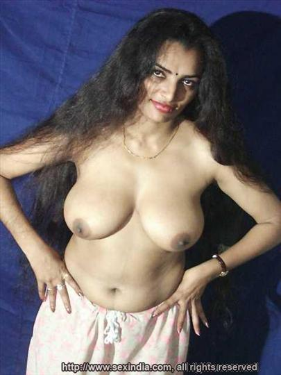 Sexy big tits nude South Indian bhabhi hot