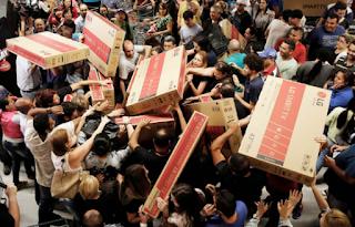U.S. Black Friday, Thanksgiving online sales climb to record high