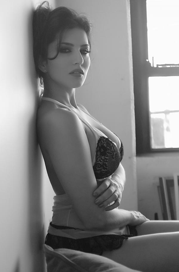 Sunny Leone Hot New Photoshoot