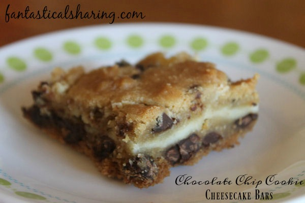 Chocolate Chip Cookie Cheesecake Bars // This perfect pairing of two classic desserts in bar form is unbelievably tasty! #recipe #dessert #chocolate #cheesecake #Choctoberfest
