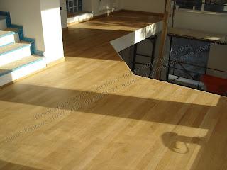Λουστράρισμα σε δρύινο ξύλινο πάτωμα με οικολογικό βερνίκι σατινέ