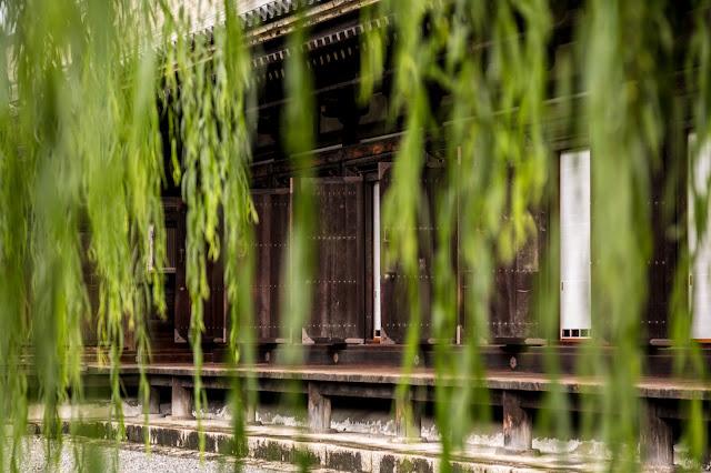 El templo desde detrás de los sauces :: Canon EOS5D MkIII | ISO100 | Canon 24-105@105mm | f/5.0 | 1/30s