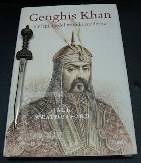Portada del libro Genghis Khan y el inicio del mundo moderno, de Jack Weatherford
