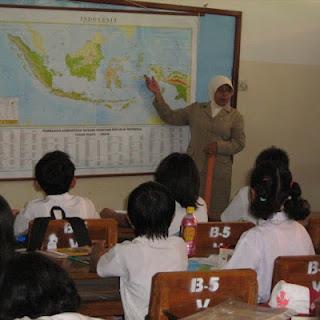 Tunjangan Sertifikasi, Guru Tidak Lagi Harus Mengajar 24 jam Tatap Muka
