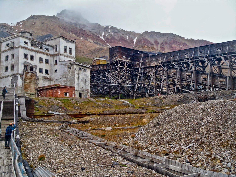 Antiguas instalaciones mineras de Pyramiden