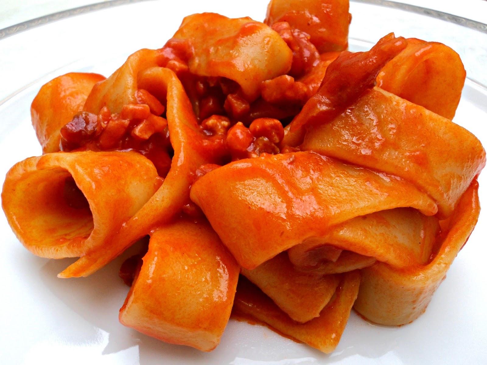 Olor a hierbabuena recetas de cocina casera pasta calamari con salsa de tomate y jam n - Platos de pasta sencillos ...