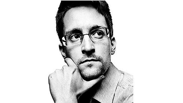 Aadhaar data leak | FIR should be registered against UIDAI, not journalist: Edward Snowden