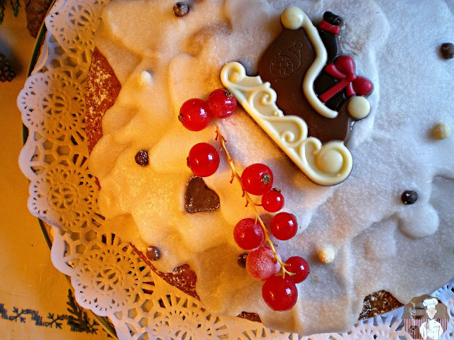 Bizcocho de jengibre con fruta confitada