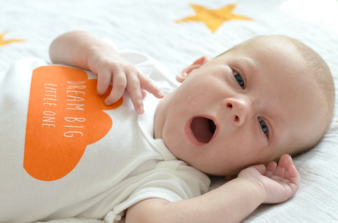 yawning baby, We are scamp, Mummy blogger