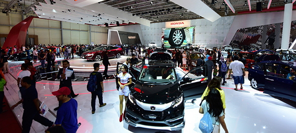 Advanced New Word Tema Booth Honda Di GIIAS 2016