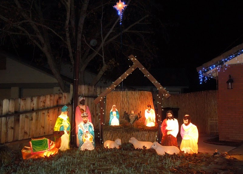 Nativity in December in Riverbank Tract, Paso Robles, © B. Radisavljevic
