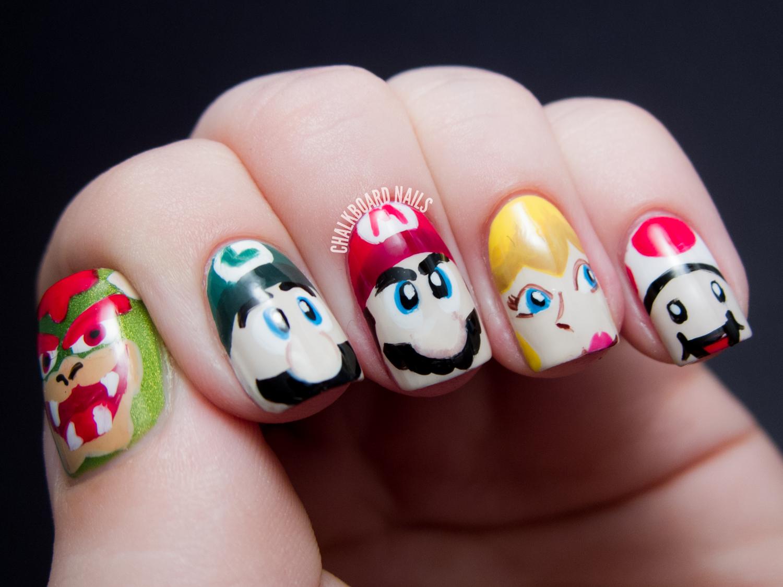 Nail Art: Mamma Mia!: Mario Character Nail Art