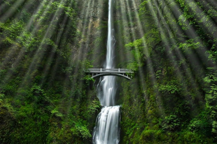 Top 10 Natural Wonders in North America - Multnomah Falls, Oregon, USA