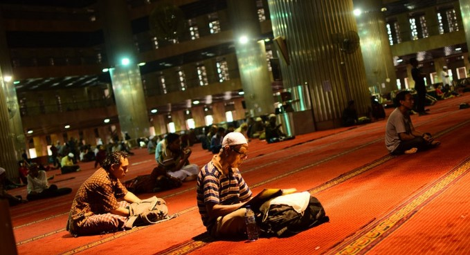 Ini Pahala Yang Akan Diraih Jika Menunggu Datangnya Shalat Di Masjid