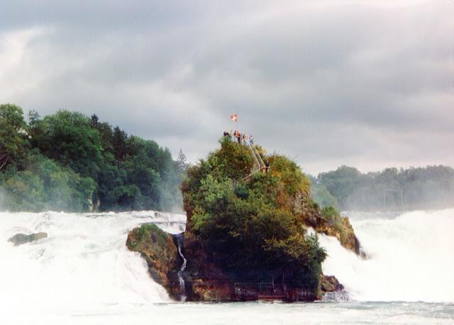 Rheinfall; Cascadas; Rin; Neuhausen am Rheinfall; Laufen-Uhwiesen; Rhine Falls; Falls; Rhine; Rhein; Rhin