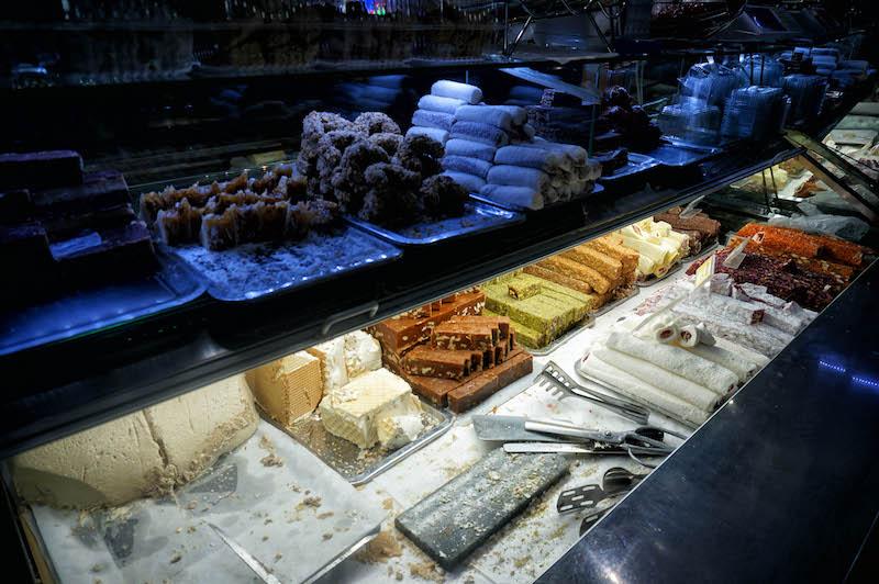 jedzenie w Bośni, jedzenie na Bałkanach, podróż do Bośni, podróż na Bałkany, bałkańskie słodycze, lokum