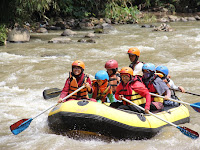"Rafting Anti ""Galo"" di Derasnya Sungai Elo"