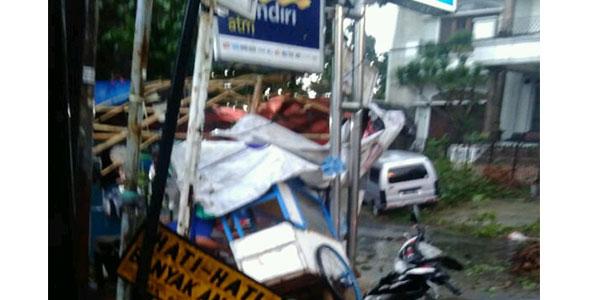 Foto Pasca Benca Angin Puting Beliung di Bogor 6 Desember