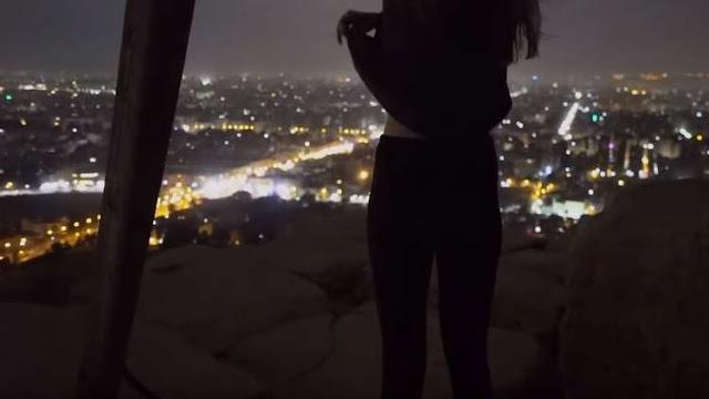فيديو إباحي فوق الاهرامات للمصور الدنماركي أندرياس هفيد مع صديقته