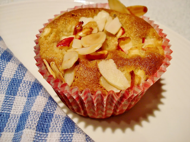 Apple and Cardamom Muffin