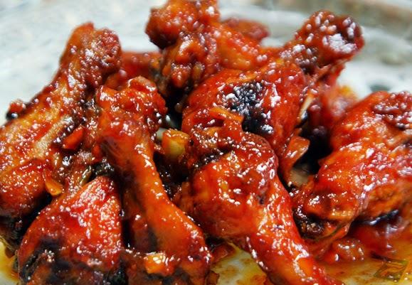 Kali ini bunda akan berbagi resep ayam Kecap atau kerap sekali disebut dengan semur ayam  Resep Semur Ayam Kecap Spesial Terbaru 2016